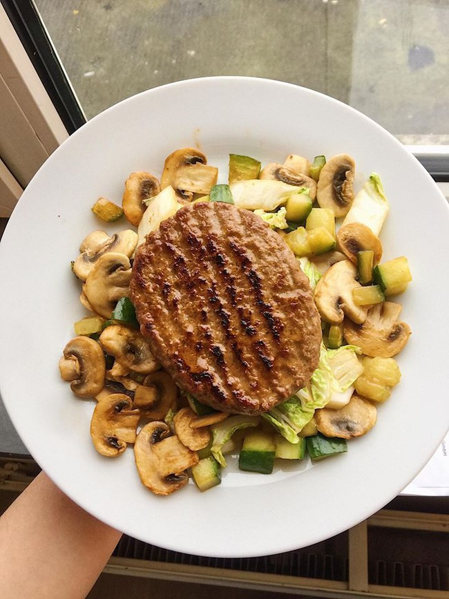Học cách giữ dáng nhờ ăn theo những thực đơn giảm cân được du học sinh tự tay làm - Ảnh 9.