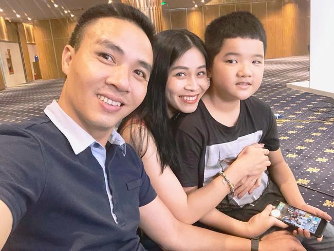 Chồng sắp cưới rất yêu thương con riêng của Hoàng Linh, còn nữ MC đối xử với con riêng của Mạnh Hùng như thế nào? - Ảnh 4.