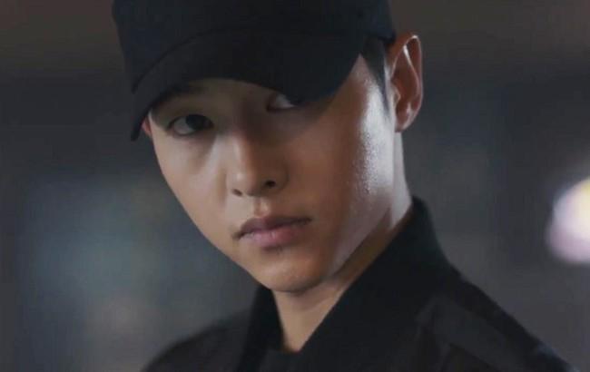 Góc phỏng đoán: Song Hye Kyo mượn mũ của chồng để hẹn hò bí mật với trai trẻ? - Ảnh 5.