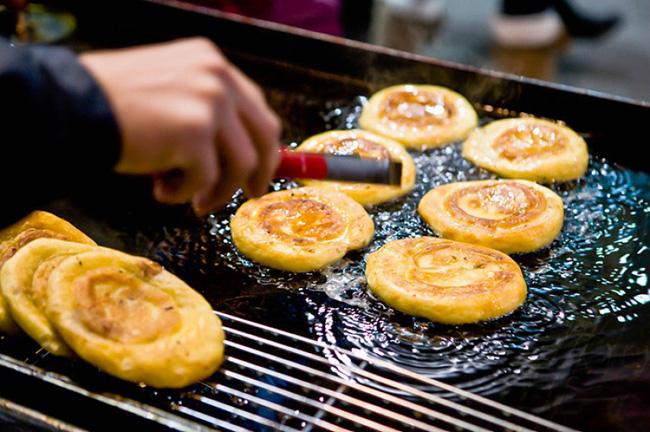 4 món ăn đường phố được người Hàn vô cùng ưa chuộng trong mùa đông, số 3 bán nhiều ở Việt Nam - Ảnh 4.