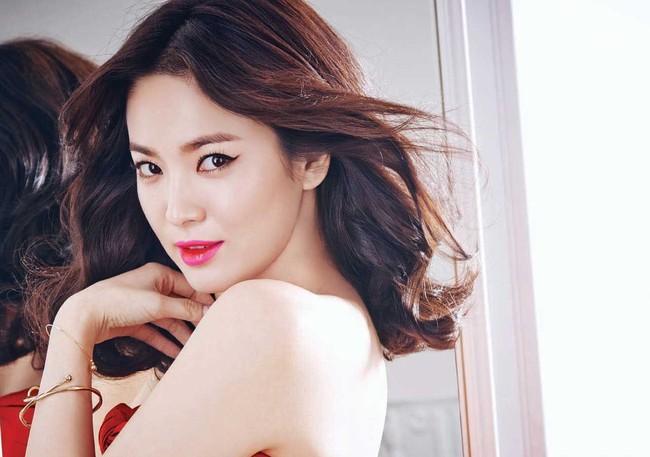 Đóng cùng trai trẻ kém 12 tuổi trong phim mới, Song Hye Kyo đã giảm cân để giữ nhan sắc không tuổi bằng cách này - Ảnh 6.