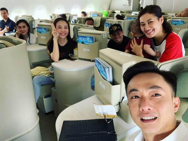 Nụ cười hạnh phúc viên mãn của Đàm Thu Trang bên người yêu Cường Đô la - Ảnh 1.