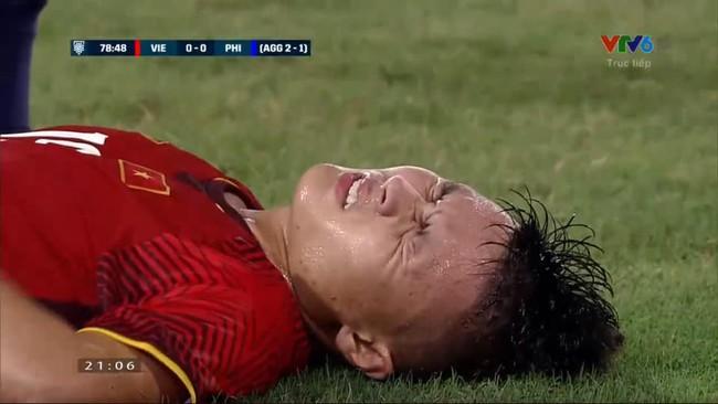 Bị phạm lỗi liên tục vẫn xuất sắc tiễn đội bạn về nước, Quang Hải xứng đáng là chú lính bé nhỏ kiên cường - Ảnh 5.