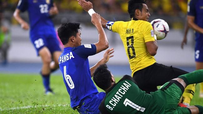 Hậu chiến thắng, tuyển Malaysia trả thù cực gắt thủ môn Thái Lan vì phát ngôn kiêu ngạo: Gọi tên Chatchai trong cơn ác mộng - Ảnh 3.