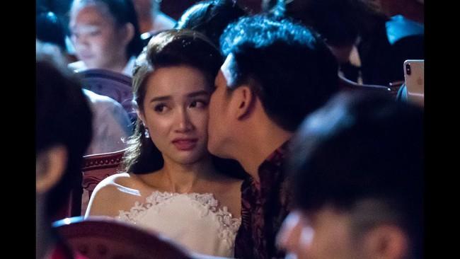 Trường Giang bị gạch tên khỏi Giải Mai Vàng 2018 vì chiếm sóng cầu hôn Nhã Phương năm 2017 - Ảnh 2.