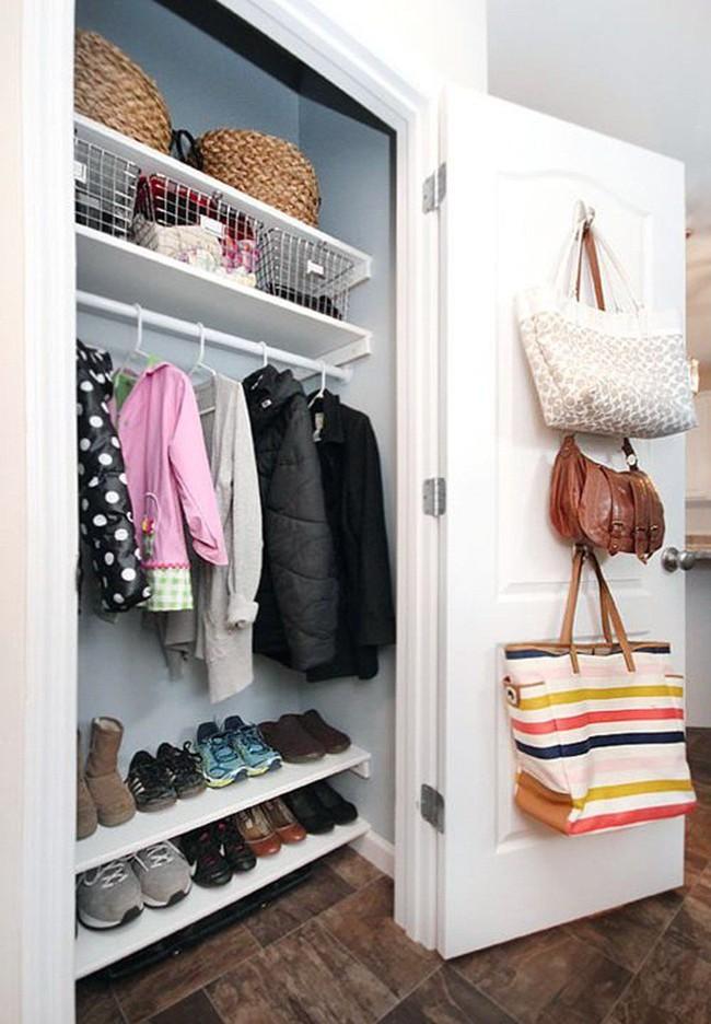 Những lời khuyên hữu ích cho vấn đề muôn thủa: Tủ quần áo trong phòng ngủ chật - Ảnh 10.