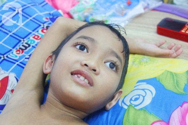 Minh Vương, bé trai 10 tuổi chiến đấu với căn bệnh u não bằng tất cả sự lạc quan đã ra đi mãi mãi - Ảnh 2.
