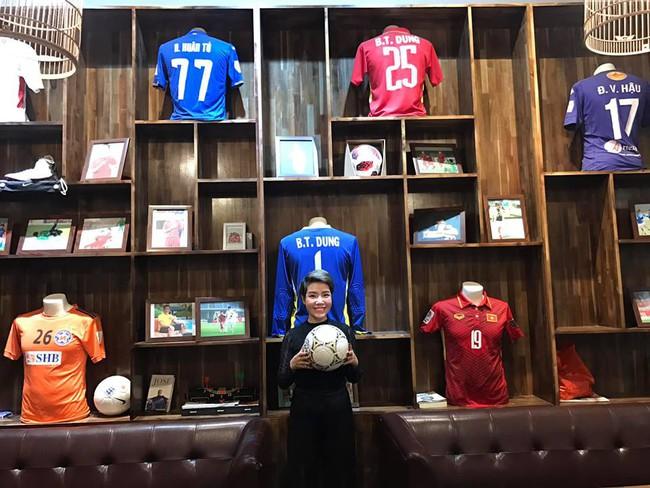 Đội tuyển Việt Nam chiến thắng Philippines, từ bà bầu đến trẻ nhỏ cũng ăn mừng tưng bừng - Ảnh 7.