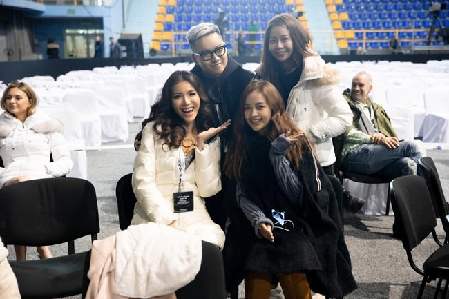 Minh Tú nổi bật trên sân khấu tổng duyệt Chung kết Miss Supranational 2018 - Ảnh 2.