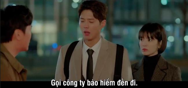 Mải mê ngắm trai trẻ, Song Hye Kyo bị xe tông - Ảnh 6.