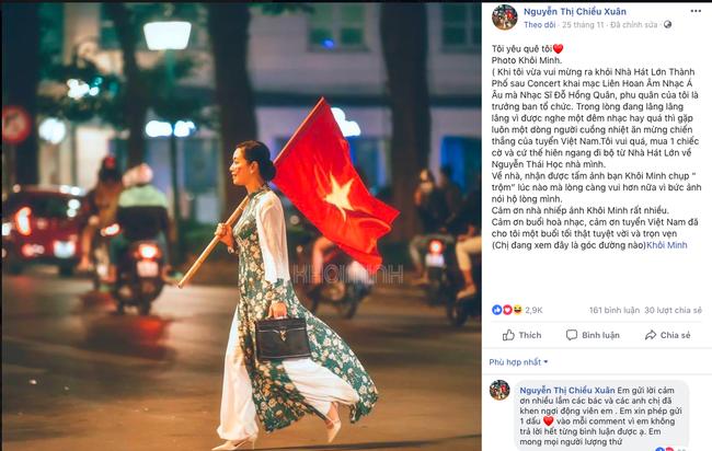 Đi bão sang và đẹp như NSƯT Chiều Xuân: Diện áo dài, tay cầm cờ hot nhất cộng đồng mạng  - Ảnh 1.