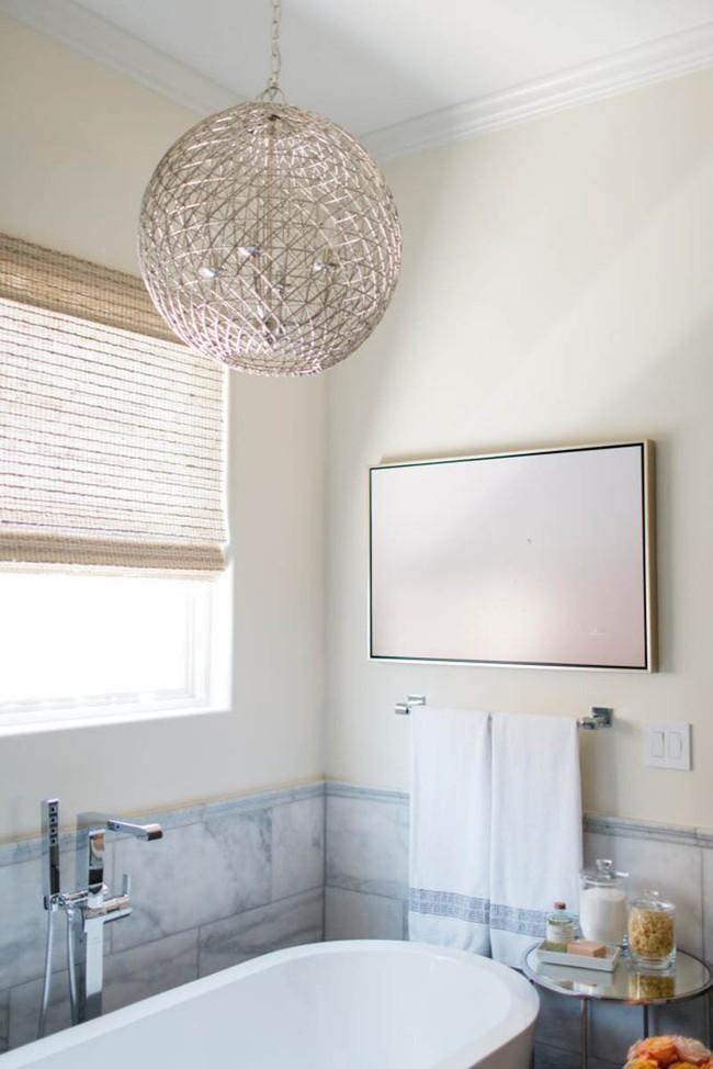 Đâu chỉ phòng khách, phòng ngủ mà phòng tắm cũng cần có một bức tranh treo tường - Ảnh 12.