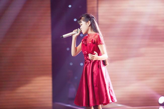 Bảo Anh mang hiện tượng mạng Ngắm hoa lệ rơi để học trò đại náo sân khấu The Voice Kids - Ảnh 8.