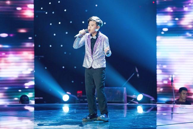Bảo Anh mang hiện tượng mạng Ngắm hoa lệ rơi để học trò đại náo sân khấu The Voice Kids - Ảnh 7.