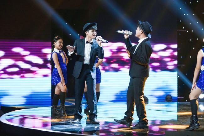 Bảo Anh mang hiện tượng mạng Ngắm hoa lệ rơi để học trò đại náo sân khấu The Voice Kids - Ảnh 16.