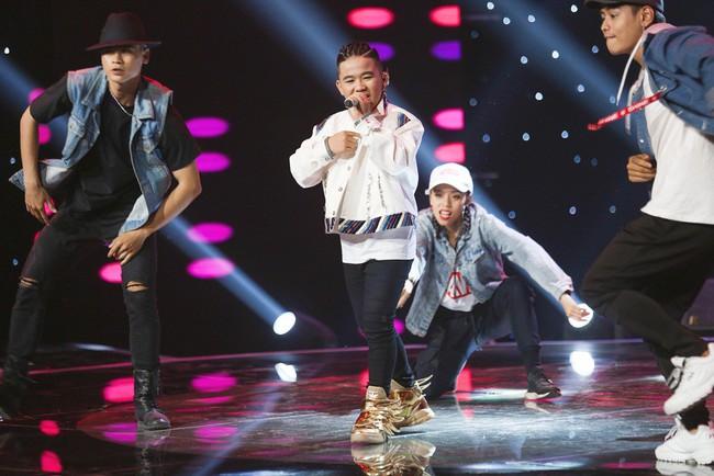 Bảo Anh mang hiện tượng mạng Ngắm hoa lệ rơi để học trò đại náo sân khấu The Voice Kids - Ảnh 10.
