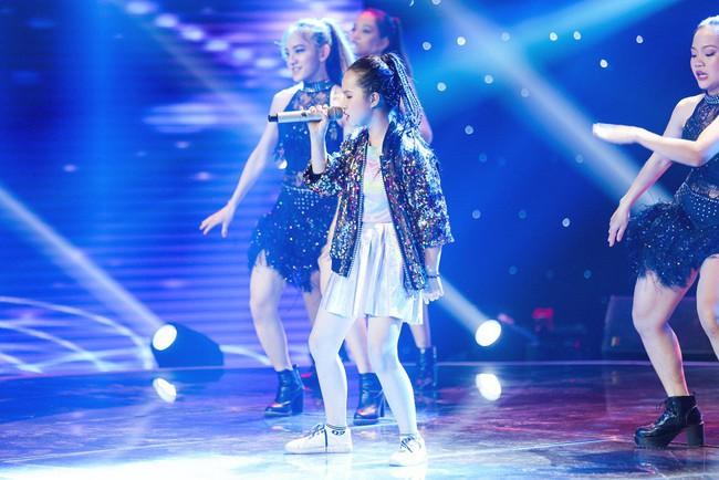 Bảo Anh mang hiện tượng mạng Ngắm hoa lệ rơi để học trò đại náo sân khấu The Voice Kids - Ảnh 6.