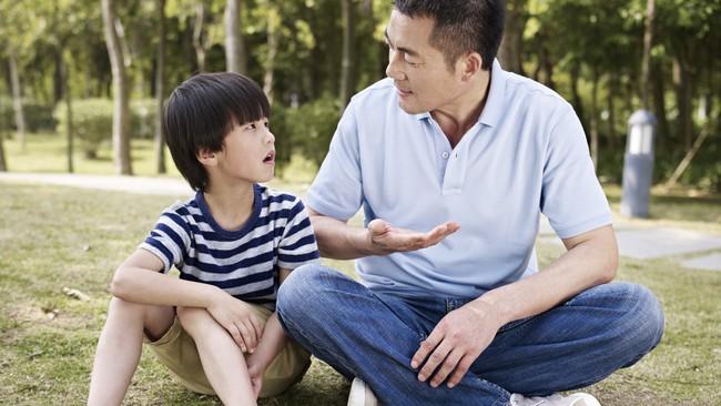 Khi trẻ làm sai, nói KHÔNG sẽ chẳng tác dụng gì đâu, đây mới là những cách nói với con hiệu quả nhất - Ảnh 5.