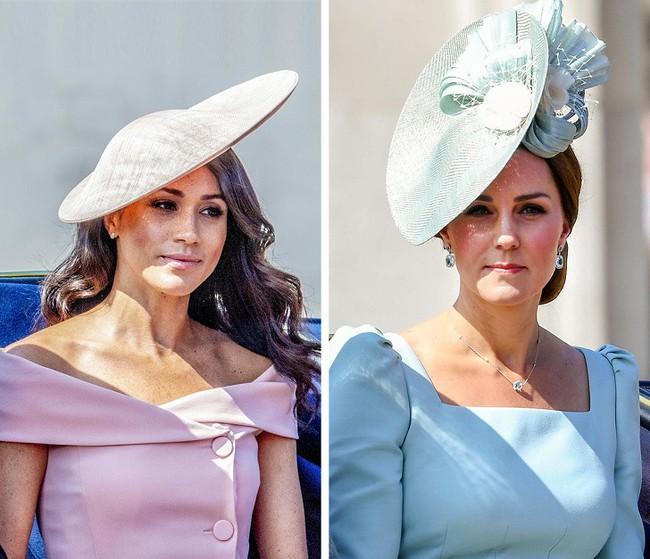 12 kiểu trang phục đơn giản mà sang trọng được hai Công nương Hoàng gia Anh ưa chuộng, chị em hoàn toàn có thể học hỏi - Ảnh 2.