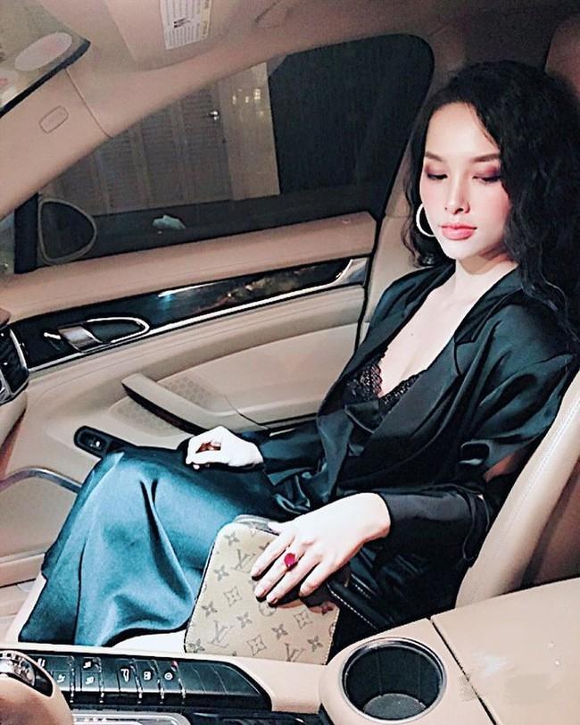 Sau 1 năm lấy chồng, Trang Pilla chị dâu Bảo Thy ngày càng xinh đẹp, quyến rũ - Ảnh 9.