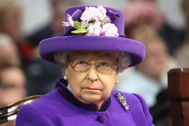 Chỉ cần vô tình mắc sai lầm nhỏ xíu này với Nữ hoàng Anh, án tử hình sẽ được đưa ra ngay lập tức - Ảnh 1.