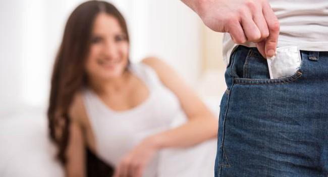 Bệnh tình dục có khả năng ăn thịt người được báo cáo ở Anh đáng sợ thế nào? - Ảnh 4.