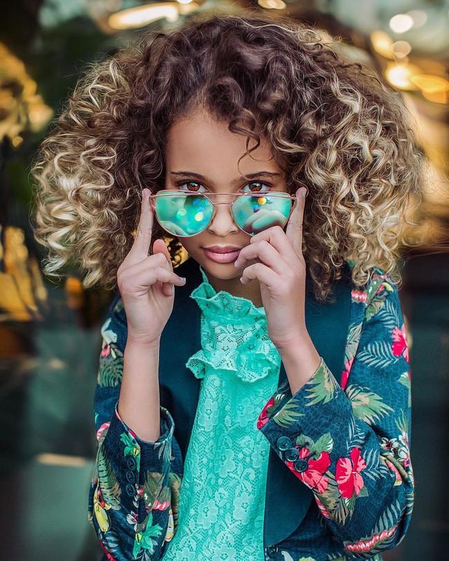 Chùm ảnh: Những mái tóc dày bồng bềnh được xếp vào hàng hiếm có khó tìm trên thế giới khiến bạn phải thốt lên không thể tin nổi! - Ảnh 18.