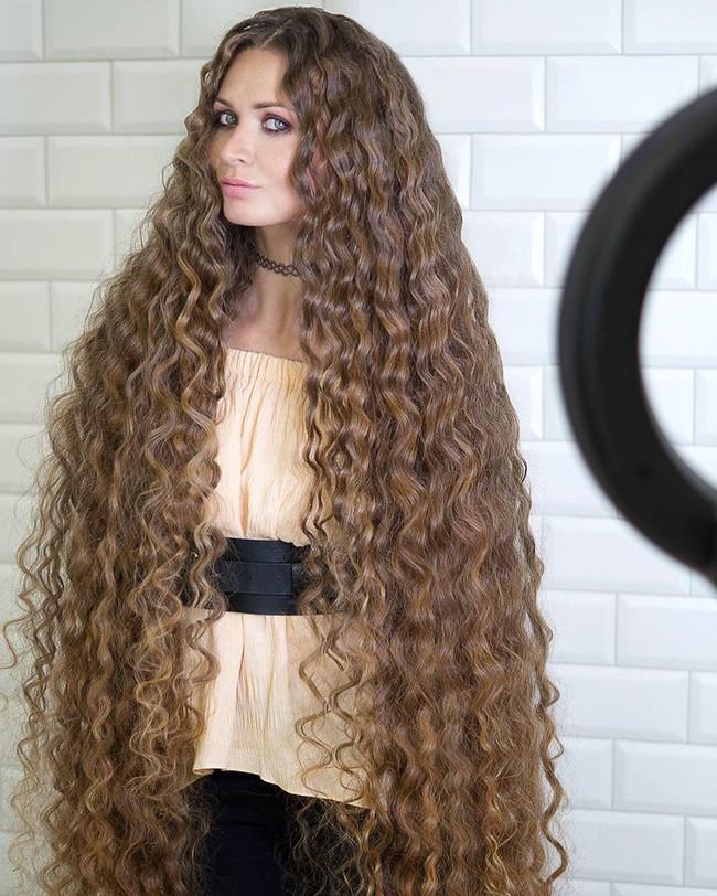 Chùm ảnh: Những mái tóc dày bồng bềnh được xếp vào hàng hiếm có khó tìm trên thế giới khiến bạn phải thốt lên không thể tin nổi! - Ảnh 7.