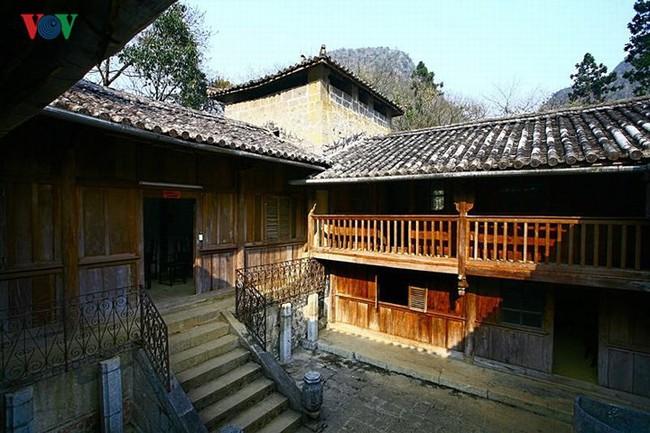 Dinh thự họ Vương - huyền thoại vùng cao nguyên đá Đồng Văn - Ảnh 12.