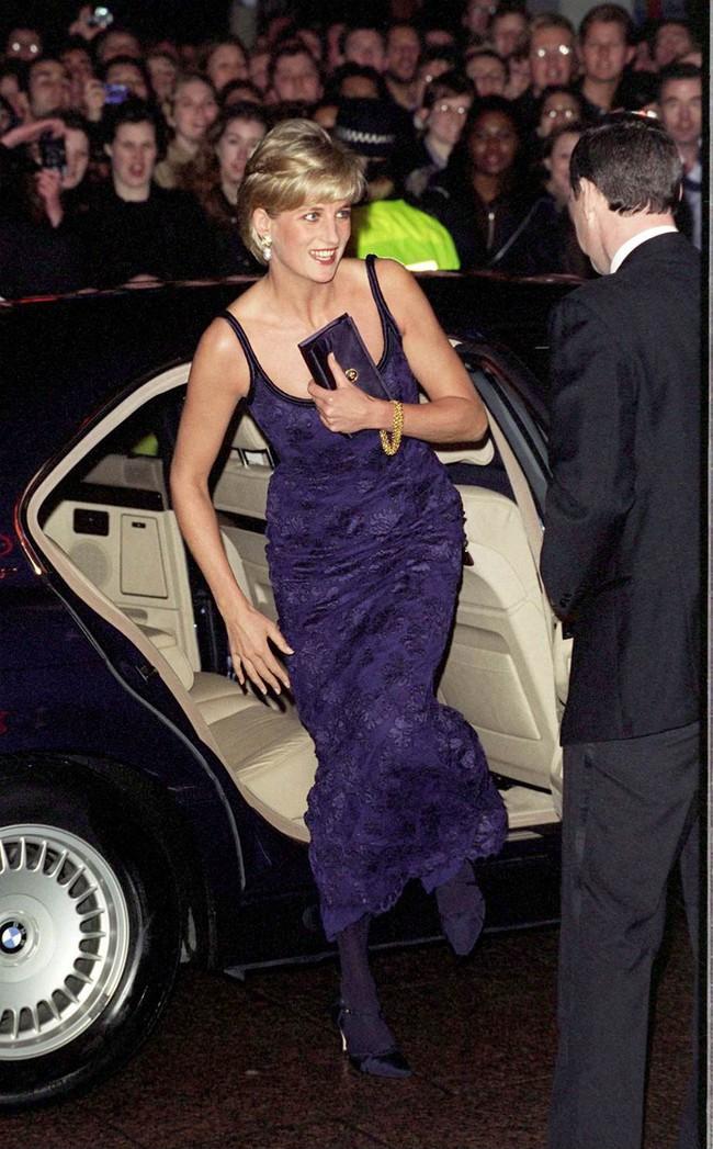 8 bí mật đằng sau phong cách của Công nương Diana sẽ khiến bạn càng nể phục sự tinh tế của bà - Ảnh 6.