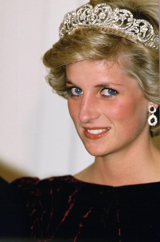8 bí mật đằng sau phong cách của Công nương Diana sẽ khiến bạn càng nể phục sự tinh tế của bà - Ảnh 7.