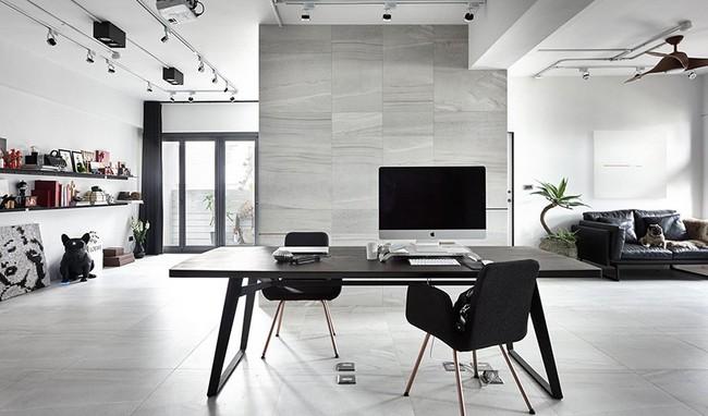 Chỉ với hai màu ghi và đen, căn hộ của cặp vợ chồng trẻ trở nên ấn tượng và cá tính bất ngờ - Ảnh 1.