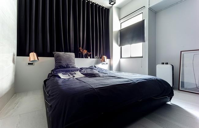 Chỉ với hai màu ghi và đen, căn hộ của cặp vợ chồng trẻ trở nên ấn tượng và cá tính bất ngờ - Ảnh 12.