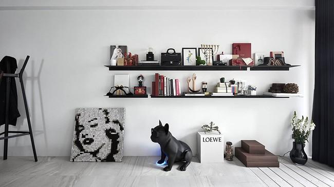 Chỉ với hai màu ghi và đen, căn hộ của cặp vợ chồng trẻ trở nên ấn tượng và cá tính bất ngờ - Ảnh 7.