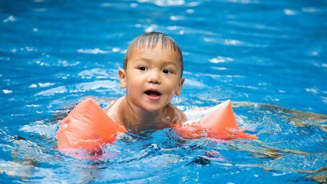 Bé 10 tuổi tử vong chỉ một tiếng sau khi đi bơi về - cảnh báo hiểm họa chết đuối trên cạn không phải ai cũng biết - Ảnh 3.
