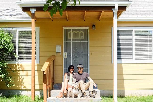 Ngôi nhà cấp 4 ngập tràn tình yêu và hạnh phúc với điểm nhấn từ cây xanh của cặp vợ chồng yêu nhau từ thời học sinh - Ảnh 1.