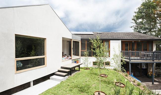 Nhà cấp 4 trên triền đồi êm dịu như một bản hòa tấu nhờ sự ăn ý của nội thất và thiên nhiên - Ảnh 2.