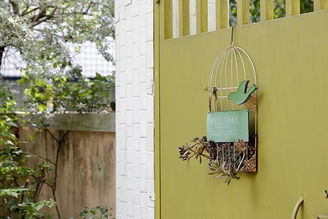 Cô gái trẻ tự tay cải tạo không gian cũ kỹ thành ngôi nhà vườn đẹp lãng mạn với cây xanh - Ảnh 15.