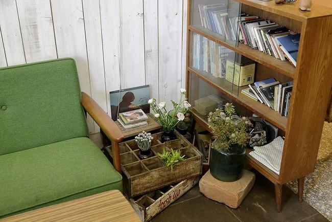 Cô gái trẻ tự tay cải tạo không gian cũ kỹ thành ngôi nhà vườn đẹp lãng mạn với cây xanh - Ảnh 4.