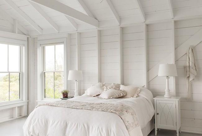 Nhẹ nhàng, đơn giản là thế nhưng một phòng ngủ đơn sắc trắng vẫn là niềm yêu thích của biết bao chị em - Ảnh 10.