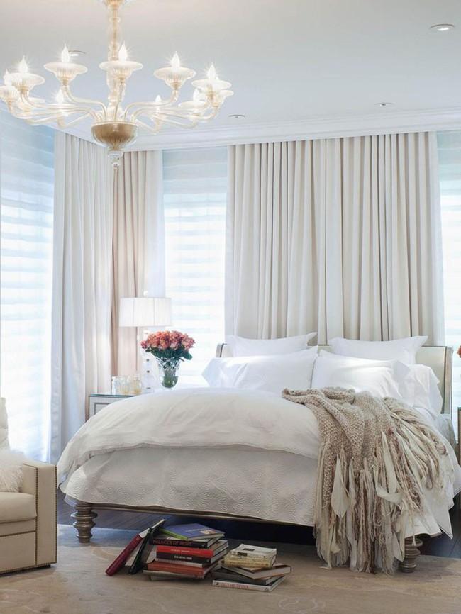Nhẹ nhàng, đơn giản là thế nhưng một phòng ngủ đơn sắc trắng vẫn là niềm yêu thích của biết bao chị em - Ảnh 16.