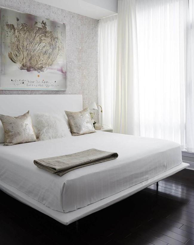 Nhẹ nhàng, đơn giản là thế nhưng một phòng ngủ đơn sắc trắng vẫn là niềm yêu thích của biết bao chị em - Ảnh 5.