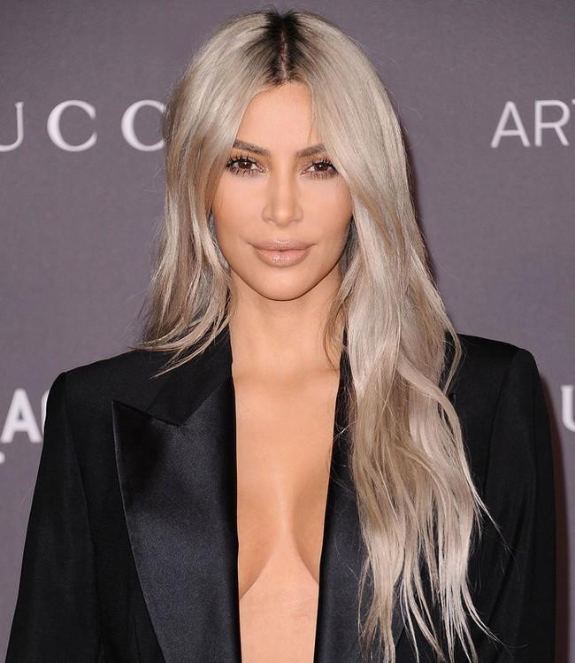 Nhờ loại kem nền này, da của Kim Kardashian lẫn công nương Meghan Markle lúc nào cũng mướt mát rạng rỡ - Ảnh 1.