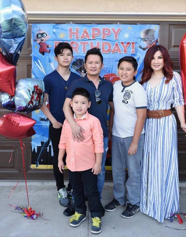 Cặp đôi văn minh nhất nhì Vbiz hậu ly hôn: Bằng Kiều vui vẻ tái ngộ vợ cũ để tổ chức sinh nhật cho con trai thứ hai - Ảnh 5.