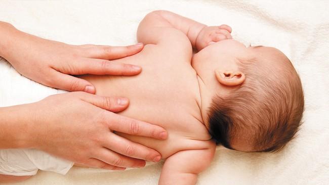 Mẹ trẻ gợi ý công thức tự làm dầu tỏi trị ho cho bé tại nhà thu hút hơn 8000 lượt thích - Ảnh 7.