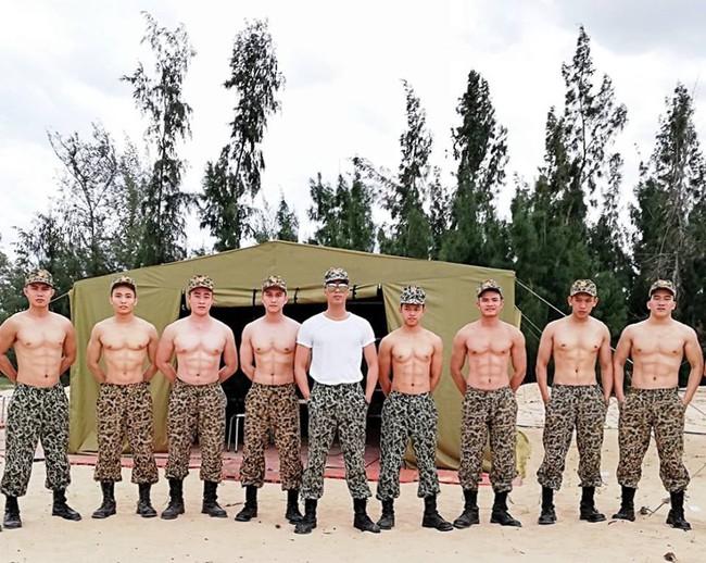 Hậu Duệ Mặt Trời bản Việt cũng có dàn trai quân nhân sáu múi không thua gì bản gốc! - Ảnh 2.
