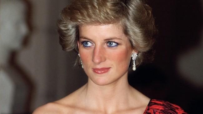 Không chỉ mỗi thời trang, Công nương Diana cũng có 6 bí mật về trang điểm, trong đó có 1 điều còn phá vỡ quy tắc Hoàng gia - Ảnh 7.