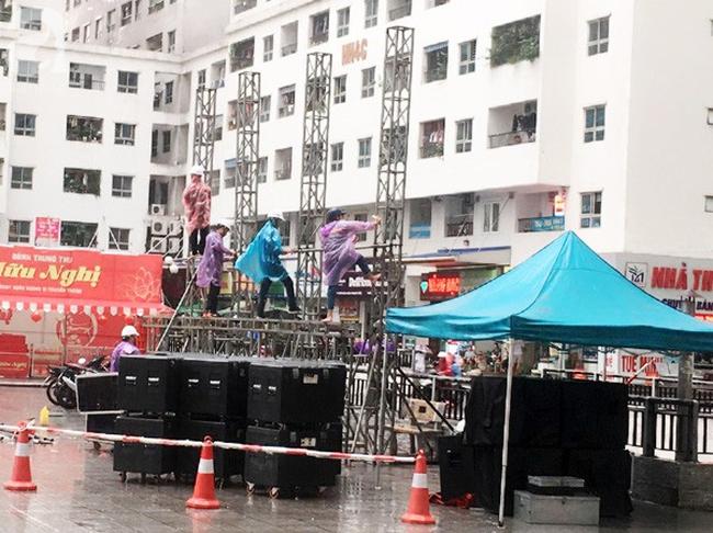 Cư dân chung cư HH Linh Đàm góp từng đồng thuê màn LED cỡ lớn cổ vũ Olympic Việt Nam đá bán kết ASIAD 2018 - Ảnh 2.