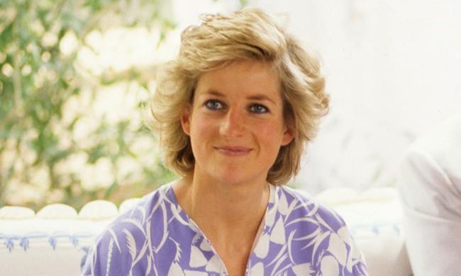 Không chỉ mỗi thời trang, Công nương Diana cũng có 6 bí mật về trang điểm, trong đó có 1 điều còn phá vỡ quy tắc Hoàng gia - Ảnh 1.