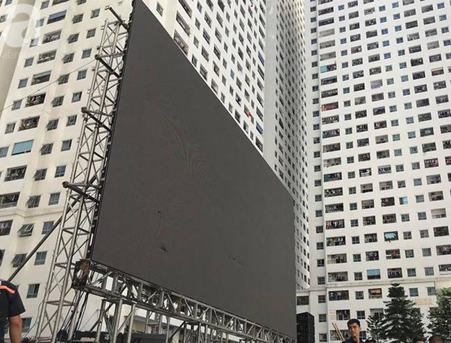 Chơi trội, chung cư vạn dân HH Linh Đàm lại dựng màn LED 32 mét vuông tiếp lửa cho Olympic Việt Nam   - Ảnh 9.